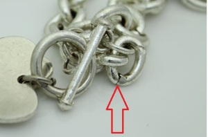 16e55d3b3 T1 Capture1. Compare the links in the necklace above to the links in the authentic  Tiffany ...